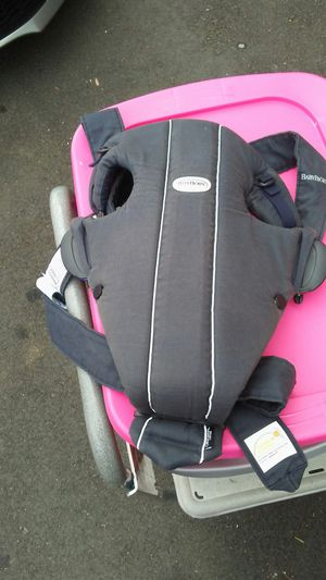 BabyBjorn baby carrier for Sale in Moreno Valley, CA