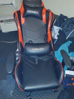 HBADA GAMING CHAIR (PAID $270) for Sale in Verona,  PA