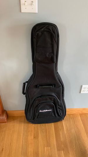 Road runner Electric guitar case for Sale in Tyngsborough, MA