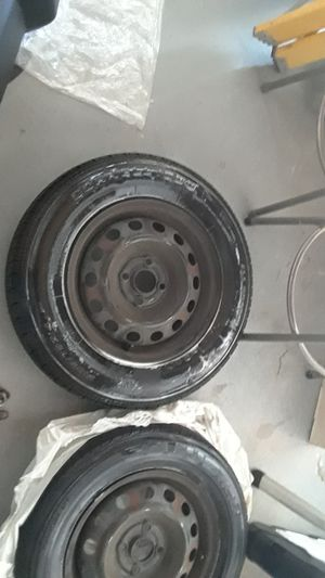 185 70r14 tires 4 lug for Sale in Moreno Valley, CA