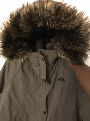 The North Face: Women's Outer Boroughs Parka for Sale in Brookline, MA