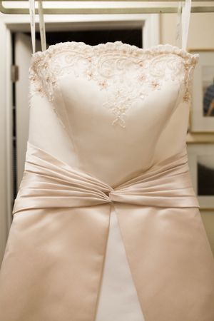 Beautiful Size 4 Ivory White Wedding Dress for Sale in Boston, MA