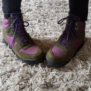 Merrell Women Eco Hike Boots 7.5 90's Vintage Green Purple Patagonia North Face Vtg LL Bean Yeezy for Sale in Santa Ana, CA