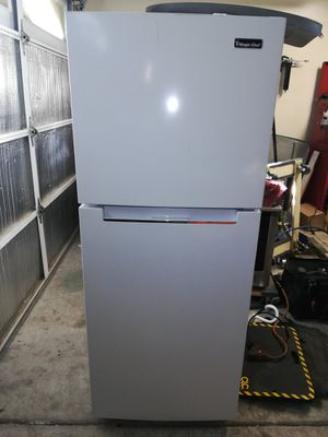 ~BRAND NEW~ Magic Chef 10 Cu. Ft. Refrigerator, Plugged in and Ice Cold! for Sale in Phoenix, AZ
