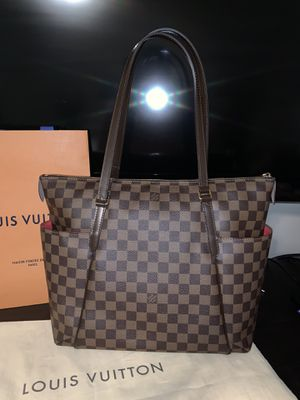 Louis Vuitton Totally MM for Sale in Clovis, CA
