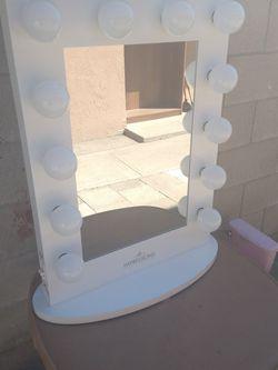 Desk Table Impression Vanity Mirror 33X24 for Sale in Baldwin Park,  CA