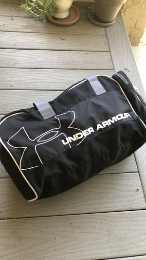 Under Armour duffle bag for Sale in Sacramento, CA