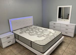 Led bedroom set full or queen mattress included for Sale in LAUD BY SEA, FL