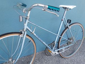"""Ladies! Stylin' 12-speed road bike, 56cm, fits 5'8"""" to 5'11"""", total refurb! for Sale in Portland, OR"""