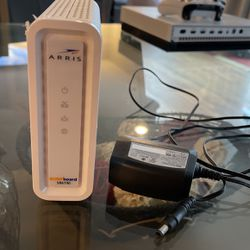 Arris 32x8 Cable Modem for Sale in Monroe,  WA
