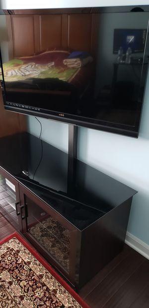 LIKE NEW TV STAND for Sale in Morton Grove, IL