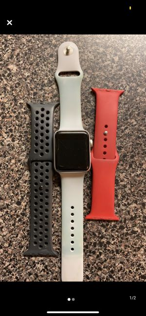 Silver series 3 Apple Watch 42 mm for Sale in Centreville, VA