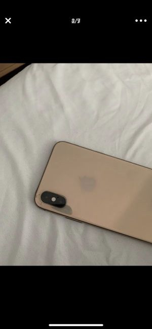 Apple iPhone XS 256gb rose gold AT&T cricket for Sale in Corona, CA