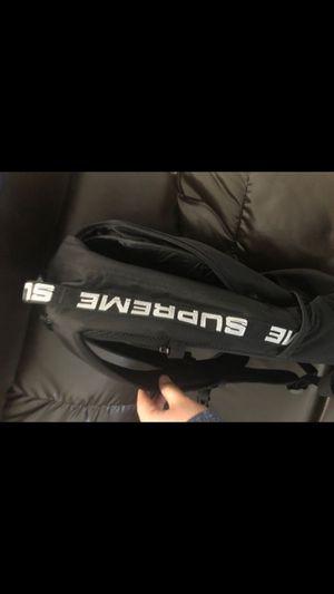 Supreme back pack new for Sale in Elmendorf, TX