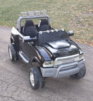 12v Dodge Ram 3500 Dually ride on toy for Sale in Willowbrook, IL