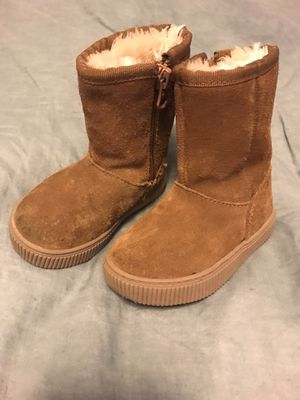 Cat & Jack winter boots for girls size 5 for Sale in La Mesa, CA