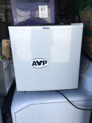 Mini fridge for Sale in Moreno Valley, CA