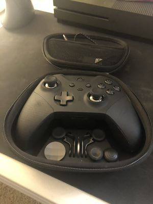 Xbox One X (1Tb), Elite Controller Series 2, turtle beach headset for Sale in Kirkland, WA
