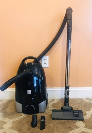 Kenmore Bare Floor Canister Vacuum Cleaner for Sale in Raymond, NH