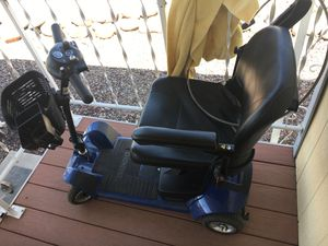 Electric Handicap Scooter. Brand new battery. Only 2 years old for Sale in Chandler, AZ