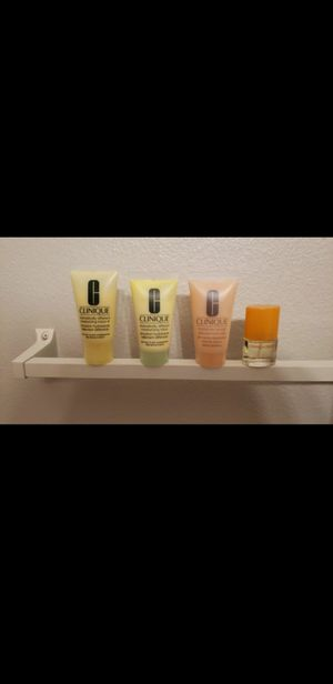 Clinique set with perfume for Sale in San Antonio, TX