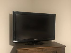 Panasonic LCD 32 Inch TV for Sale in Lakeside, CA