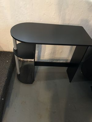 Mainstays Black Computer Deck with shelves for Sale in Springfield, IL