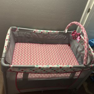 Baby Girl Crib for Sale in West Covina, CA