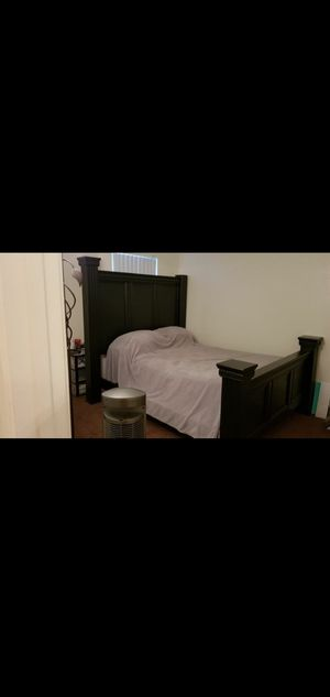 Black Bed Frame & Dresser Bedroom Set w/ Mattress for Sale in Bakersfield, CA