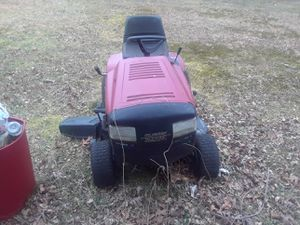 Red ride on lawn mower for Sale in Glassboro, NJ