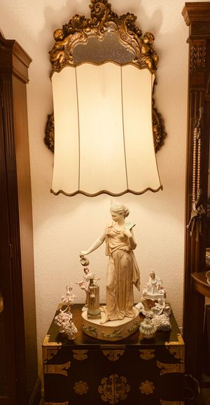 Collection Francaise Antique Spelter Table Lamp for Sale in Palmdale, CA