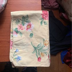 2 Standard Pillow Cases for Sale in Madison Heights,  VA