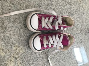 Size 4 Toddler Girls Converse Sneakers for Sale in Greer, SC