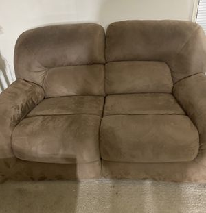 Reclining love seat for Sale in Germantown, MD