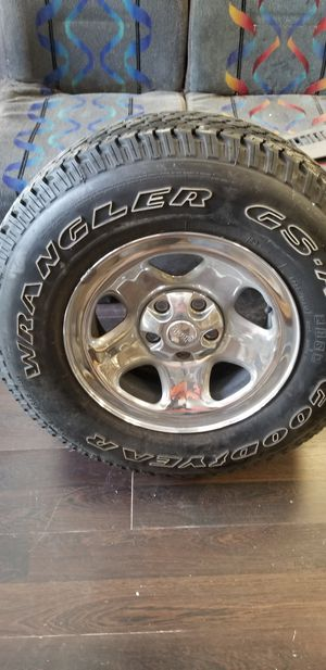 Jeep wheel for Sale in Largo, FL
