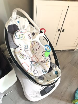 4 moms mamaroo baby infant swing for Sale in Aurora, IL