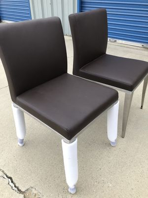 Brand new set of leather and metal frame accent chairs. Retails for over $400 for Sale in Fowler, CA