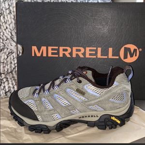 Merrell hiking shoes 6 for Sale in San Diego, CA