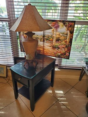 Table with drawer lamp and pic for Sale in Fort Lauderdale, FL