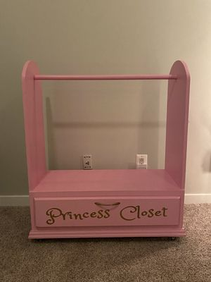 Girls Clothing, Costume, Dress-up Storage for Sale in Meadowbrook, PA