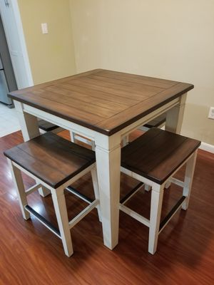 Real wood Table with 4 chairs for Sale in Pembroke Pines, FL