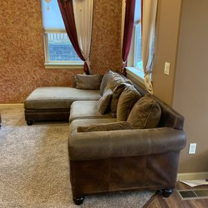 Sectional Couch for Sale in Ridgefield, WA