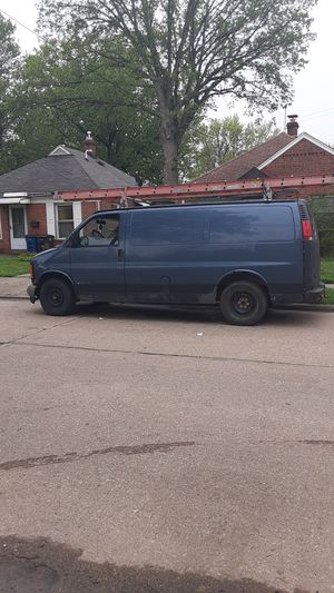 2500 chevy Express work van for Sale in Cleveland, OH
