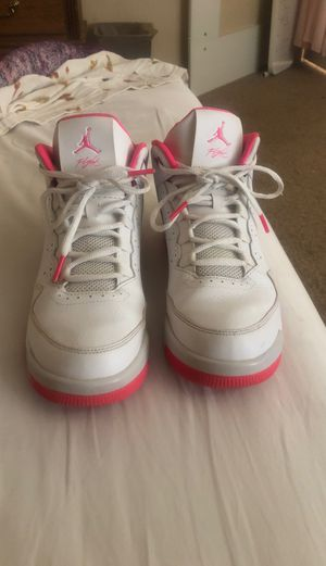 Hot pink Jordan's for Sale in Laveen Village, AZ