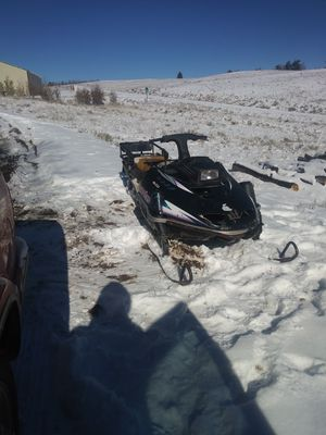 90s yamaha snowmobile runs great for Sale in Como, CO