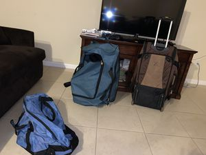 Bolsos y Rolling duffle bags for Sale in Hollywood, FL