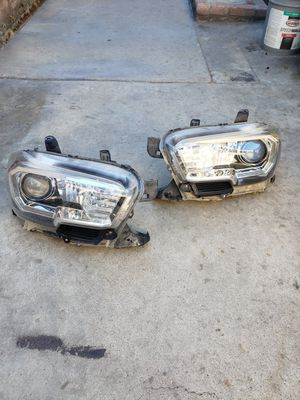 2016 Toyota Tacoma headlights (pair) for Sale in Anaheim, CA