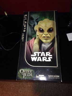 Kit Fitso Star Wars sideshow collectable figure statue for Sale in Malden, MA