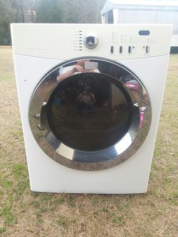 Frigidaire front load propane dryer for Sale in Prattville,  AL
