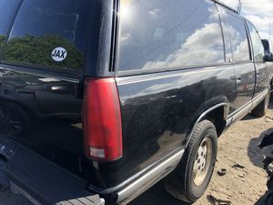 1994 chevy suburban • FOR PARTS for Sale in Riverview, FL